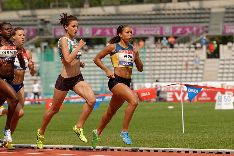 800px-women_800_m_french_athletics_championships_2013_t161141