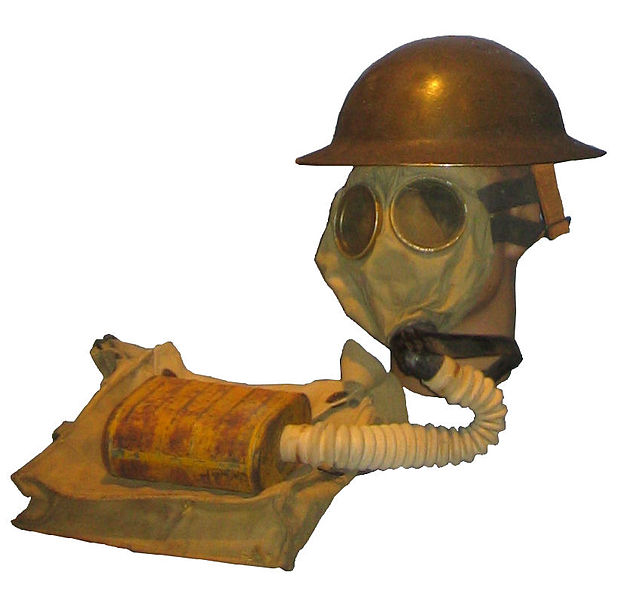 627px-us_wwi_gas_mask_with_bag